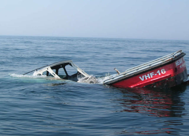 copy-of-iraqis_in_a_sinking_boat